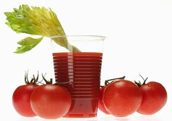 Вреден ли томатный сок?
