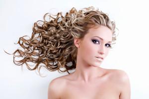 Вредна ли биозавивка волос?