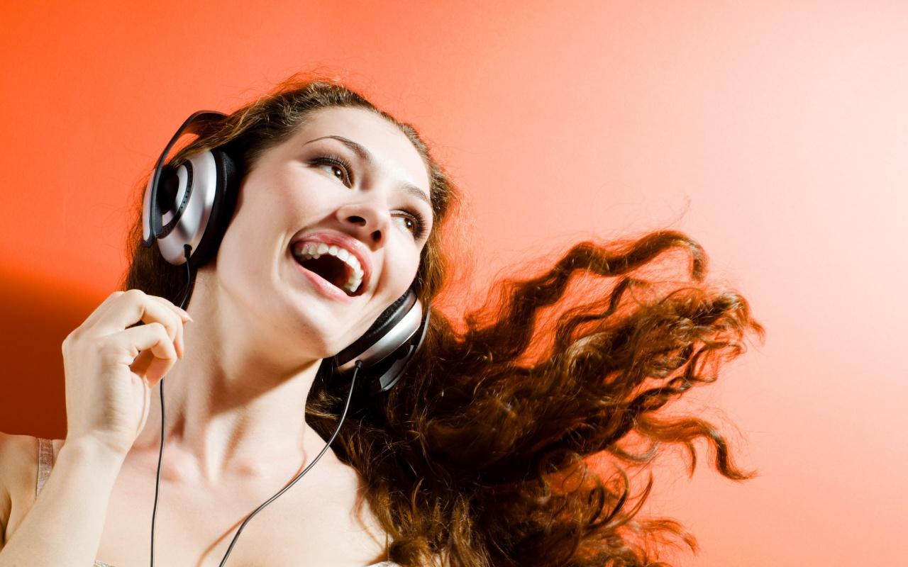 можно ли слушать музыку в самолете